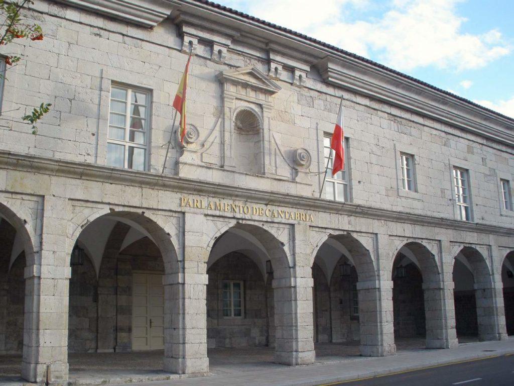fachada parlamento cantabria
